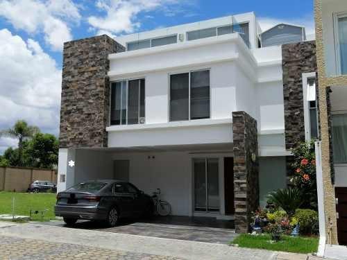 Casa En Venta Parque Santo Domingo