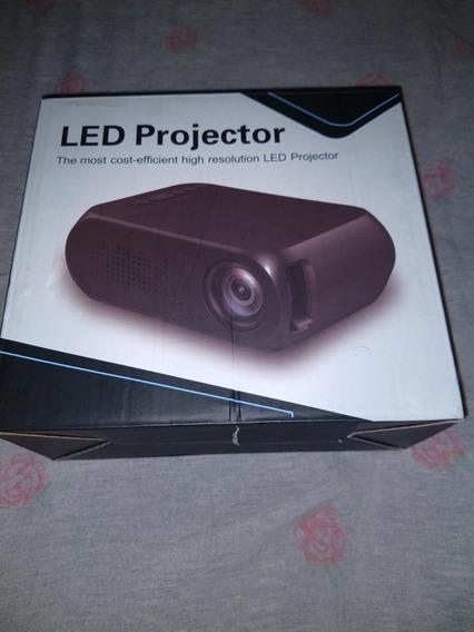 Mini Projetor Yg320