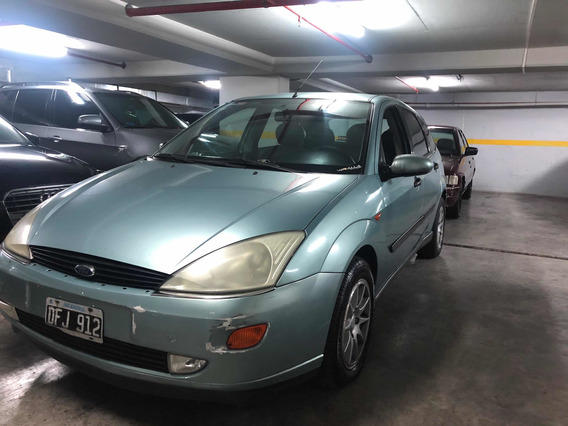 Ford Focus 1.8 I Ghia 2001 Sepautos
