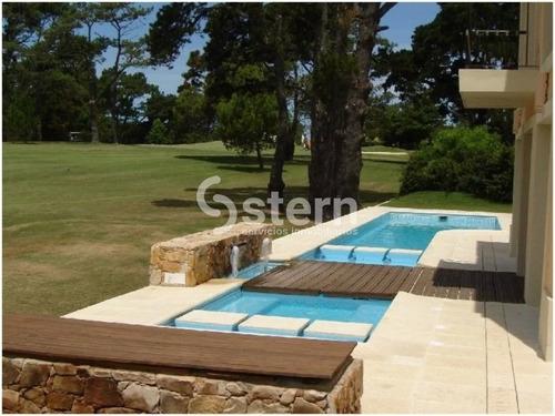 Venta Casa 4 Dormitorios, Golf, Punta Del Este- Ref: 200