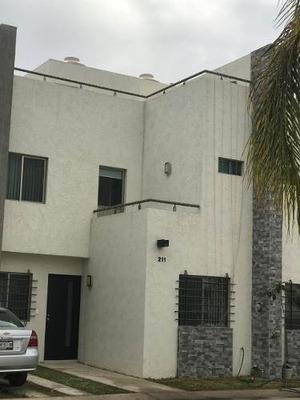 Casa Con Roof Garden En Venta Coto Con Vigilancia 24/7