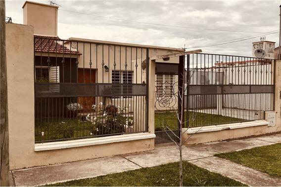 Venta Casa Bº Mirasoles/huaico - 2 Dorm