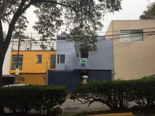 Excelente Casa En Calle Privada Con Vigilancia