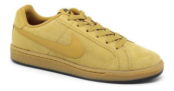 Tênis Nike Court Royale Suede