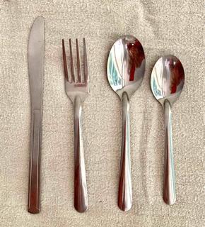 10 Juegos De Cubierto (cuchillo, Tenedor Cuchara Ch Y Grade)
