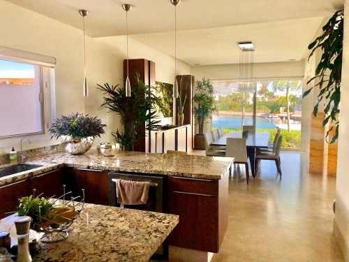 Espectacular Casa En Venta En Canales Puerto Cancun