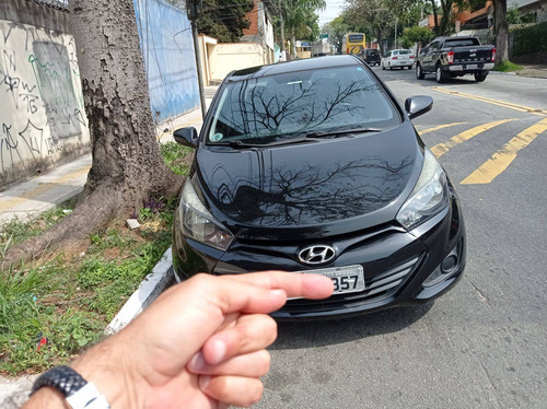 Imagem 1 de 8 de Hyundai Hb20s 2014 1.0 Comfort Plus Flex 4p