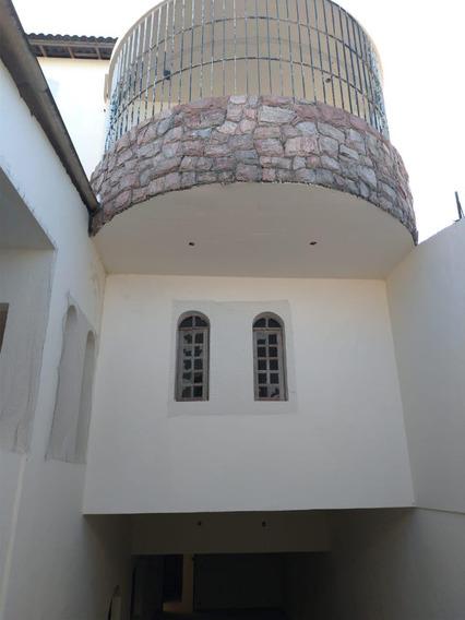 Casa No Centro De Ibiúna