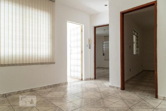 Casa Para Aluguel - João Pinheiro, 2 Quartos, 90 - 893050831