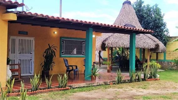 Casa En Venta En Las Morochas, San Diego Carabobo 20-5409 Em