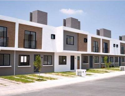Venta De Casas De 3 Recamaras, Cluster Con Alberca, Zakia