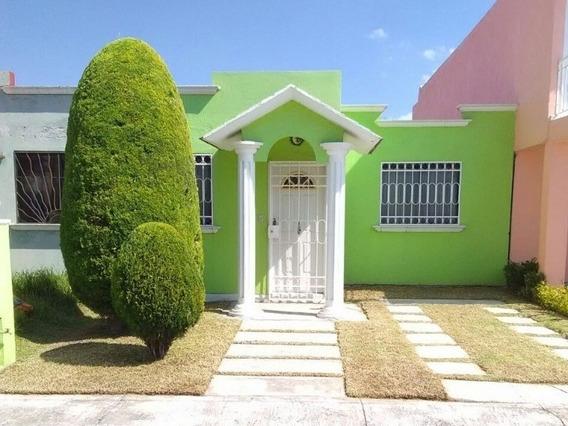 Casa En Venta Con Excelente Ubicación Fraccionamiento Residencial San Simón