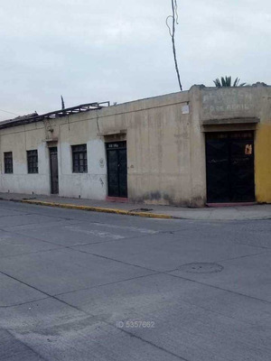 2 Casas Habitación Con Local En Cajales