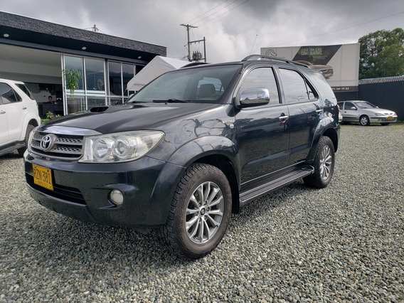 Toyota Fortuner 3000 Cc At 4x4 Full