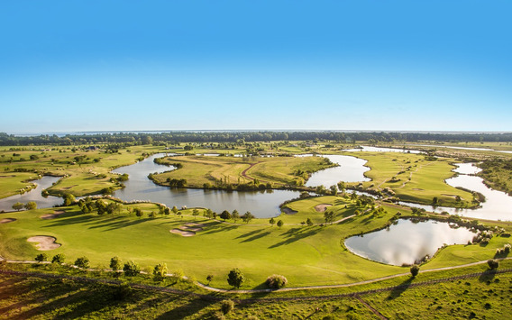 Excelente Lote A La Laguna En Carmelo Golf