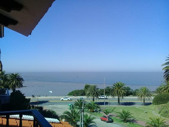 Espectacular Casa Con Gran Piscina Frente Al Mar