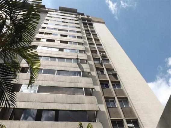 Mls #20-1755 Apartamento En Venta Prados Del Este. Em.