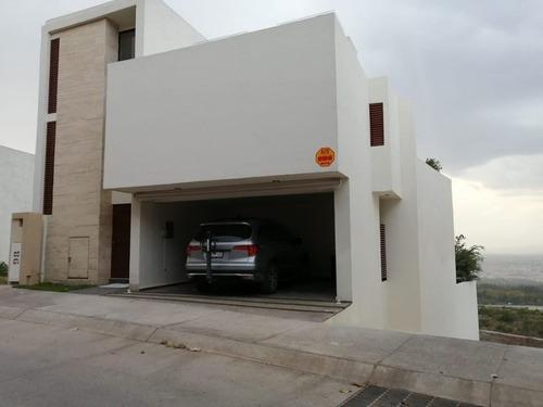 Residencia En Venta En Privadas Del Pedregal, Slp