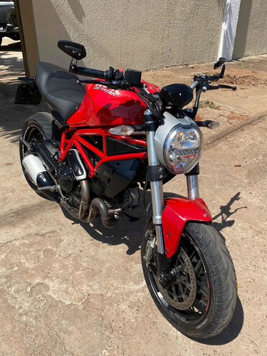 Imagem 1 de 6 de Ducati Monster 797