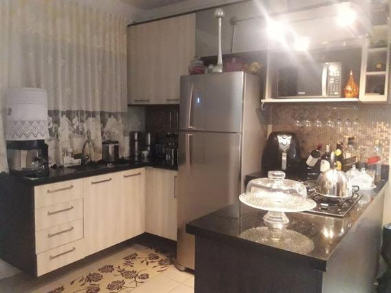 Casa Em Condomínio, 2 Quartos, 2 Banheiros, Garagem 2 Carros