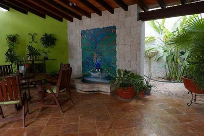Se Vende Casa En Esquina Montecristo