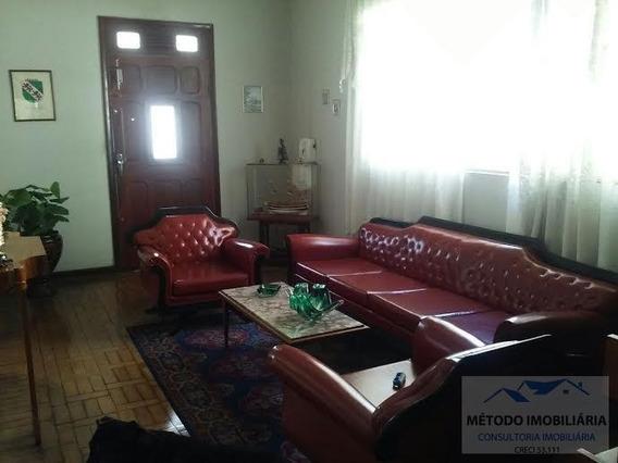 Casa Para Venda Em Pouso Alegre, Centro, 4 Dormitórios, 2 Banheiros - 11763_1-687242