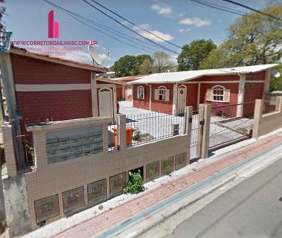 Casa A Venda No Bairro Ingleses Do Rio Vermelho Em - C719-1