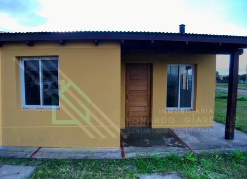 Casa 1 Dormitorio Con Patio Y Estufa A Leña