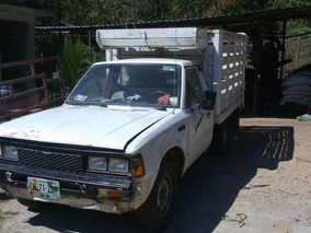 Nissan Pick-up 1989estaquitas Nissan 1800 Extralarga