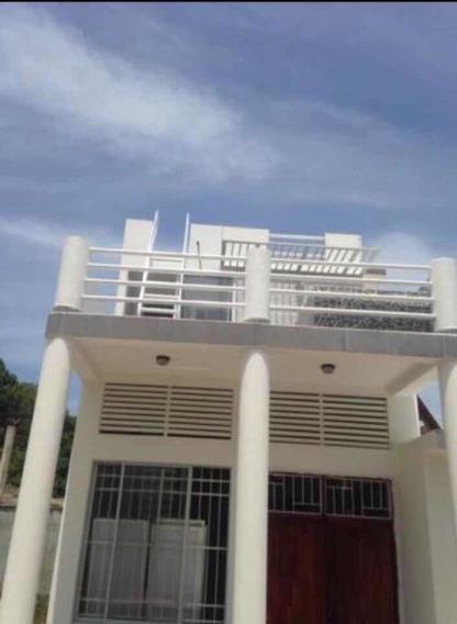 Casa De 3 Habitaciones , 3 Baños , Cocina , Terraza 1000 M L