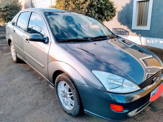 Ford Focus Sedan 2.0 Ghia Aut. 4p 2003