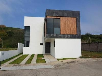 Casa A La Venta En Los Manantiales Alvarado, Veracruz