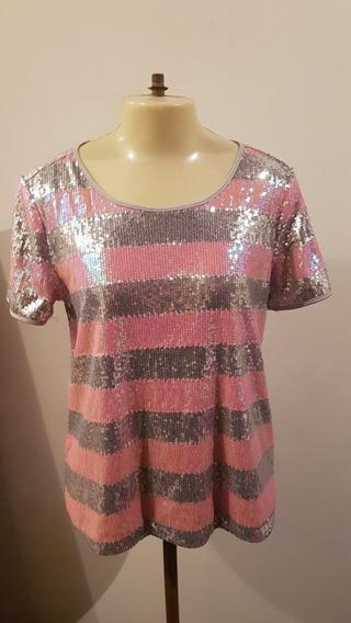 Blusa Modelo Camiseta Com Lantejoulas