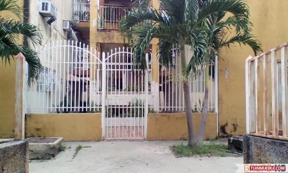 Apartamento En La Urbanización El Paseo El Limón. Maracay