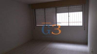 Kitnet Com 1 Dormitório Para Alugar, 30 M² Por R$ 650/mês - Centro - Pelotas/rs - Kn0071