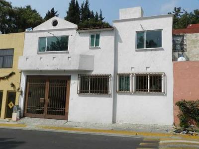 En Venta. Casa Con Departamento Independiente En Lomas Verdes