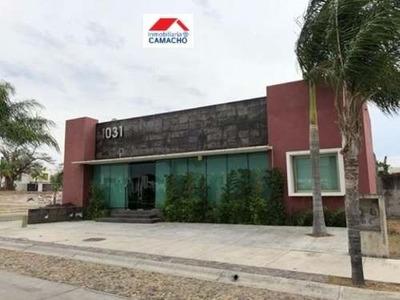 Oficina Comercial En Renta Renta; Ubicada En Real Santa Fe, Arriba De La Ex Hacienda Del Carmen