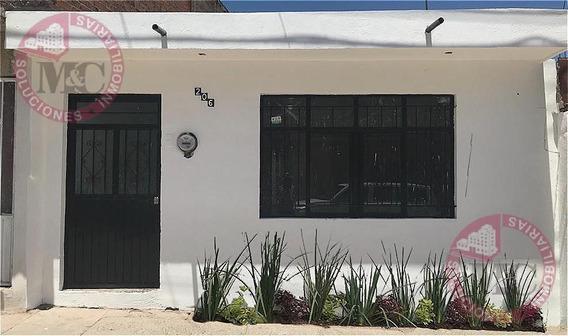 Venta De Casa En Cumbres, Oriente De Aguascalientes, Una Planta, Remodelada