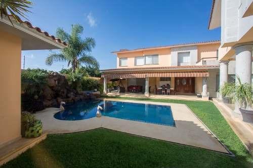Hermosa Casa En Fracionamiento Exclusivo En Cuernavaca