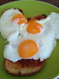 Huevos Frescos . Se Vende Por Maple,por Cajón,y Medio Cajon.