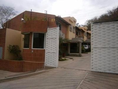Gp Lujoso Townhouse En Venta De 116m2 Mañongo
