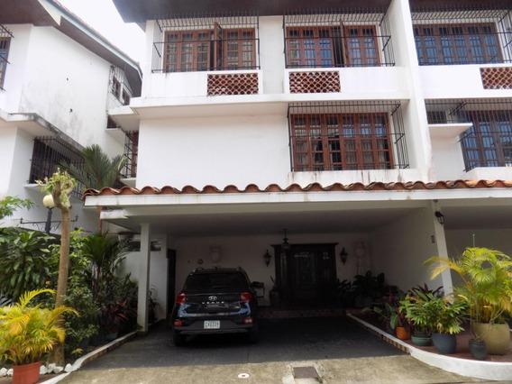 Vendo Casa Exclusiva En Ph Villas Del Golf, Altos Del Golf
