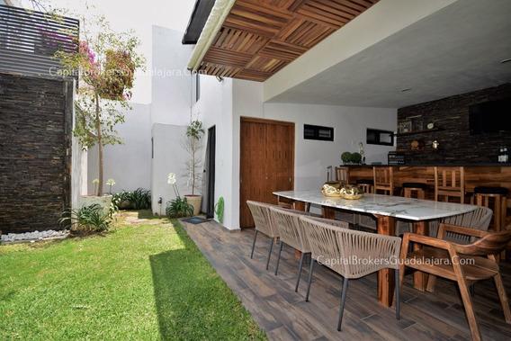 Casa En Providencia Remodelada En Venta De Lujo