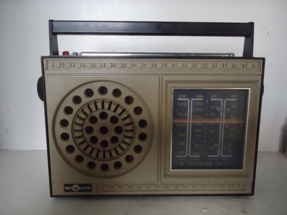 Radio Antigo Motoradio De 4 Faixas Em Pleno Funcionameto.