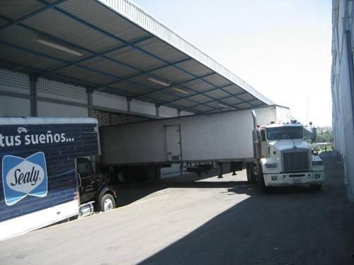 Renta De Nave, Autopista, Seguridad, Andén