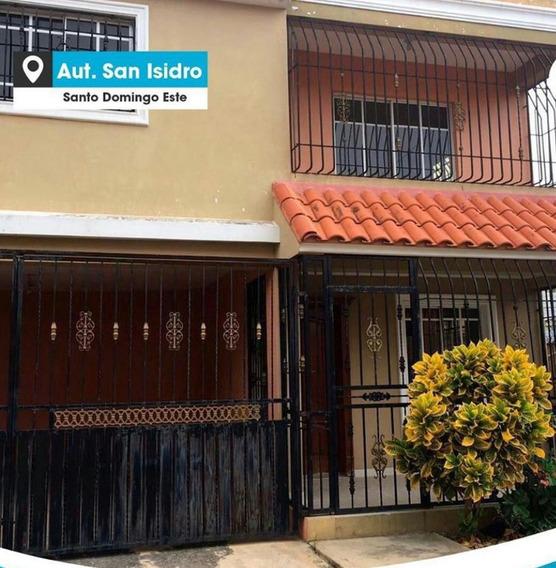 Hermosa Casa En Res Cerrado En San Isidro