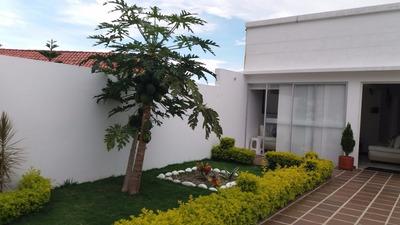 Hermosa Casa En Zona Residencial Urbana
