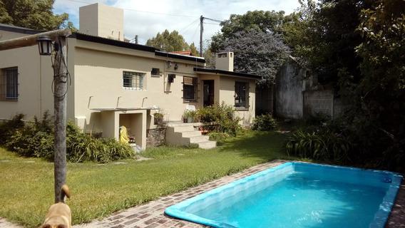 Casa De 4 Ambientes ,un Baño ,y Taller. Jardin Con Pileta,