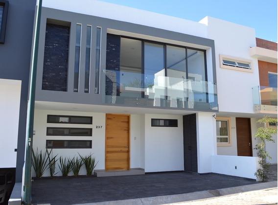 Espectacular Casa Nueva En Los Almendros En Zapopan