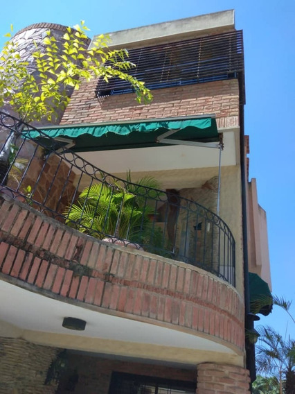Townhouse Urb. Las Chimeneas. Valencia